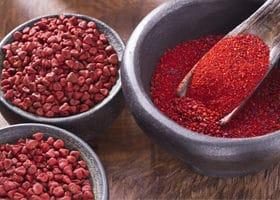 annatto-pulver-und-samen